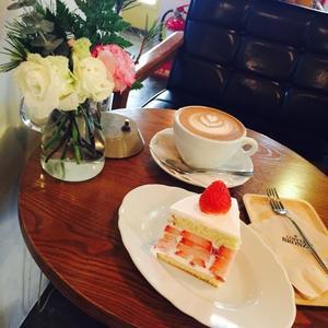 ソウル旅行 4 感動のいちごケーキに出会う「 COFFEE BRONZE」安国駅 - ハレクラニな毎日Ⅱ