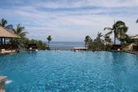 【リゾートのお洒落】プールを楽しみたいならハジケたほうが吉!なニョだ。#月曜断食 ありがとう。【車椅子の父とバリ島へ】 - ツルカメ DAYS
