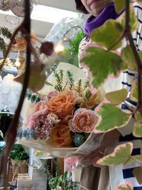 おしゃれな花束は質感やトーンで差をつける - ルーシュの花仕事