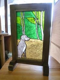 犬の絵付けパネル完成 - atelier GLADYS  ステンドグラス工房 作り手の日々