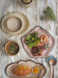 ミニミニハンバーグの朝ごはん - 陶器通販・益子焼 雑貨手作り陶器のサイトショップ 木のねのブログ