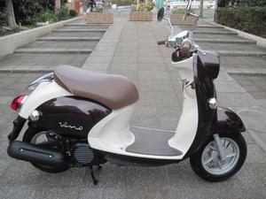 ヤマハ・ビーノFiモデル - バイクの横輪