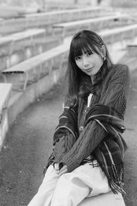 広岡杏奈ちゃん2 - モノクロポートレート写真館