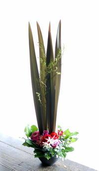 新体操の発表会にアレンジメント。西区体育館にお届け。2019/03/23。 - 札幌 花屋 meLL flowers