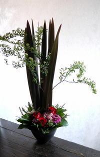 新体操の発表会にアレンジメント。きたえーるにお届け。2019/03/24。 - 札幌 花屋 meLL flowers
