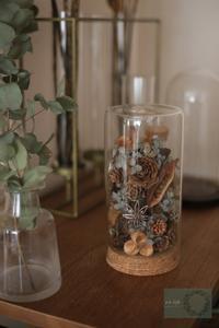 木の実×ガラス花器 - 木の実、ドライフラワーのある暮らし ■東京■長野 木の実、ドライフラワー、スパイスのアレンジメント