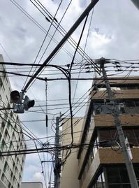 電線つづきと工事中 - 設計通信2 / 気になるカメラ、気まぐれカメラ
