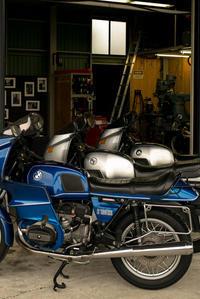 R100RSバッテリーおよびスターター - Rodspider MotorWorks