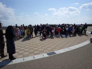七ヶ浜町菖蒲田浜海岸清掃ボランティアとおさかな鍋とドンちゃんどん工作の旅 - 企業の森づくり活動・協会活動報告