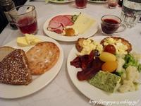 ホテルHelkaの朝食 - これ旨いのか?