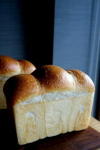 食パン - KuriSalo 天然酵母ちいさなパン教室と日々の暮らしの事