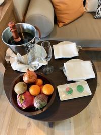 ヴァッカルの美味しいランチ@ヴィラでルーム・サービス♪ - 香港極妻日記 ー極楽非凡なアメリカ人妻日記 in 香港ー