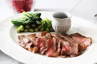 ローストビーフと赤いお野菜 - 登志子のキッチン
