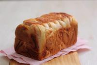 桜のあんマーブル食パン - Takacoco Kitchen