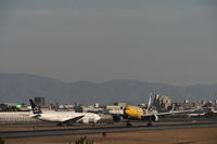 ITM - 58 - fun time (飛行機と空)