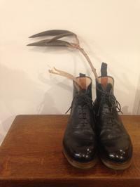 明日、4月16日(火)は定休日です。 - Shoe Care & Shoe Order 「FANS.浅草本店」M.Mowbray Shop
