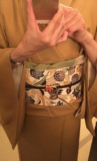 黄土色の鮫小紋コーデ3 - 着物きそびれ