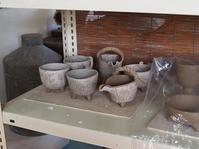 今日の陶芸作業はこんな感じで・・・。 - 織月紅希の真っ赤な月窯ギャラリー