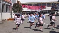 今年度初の3分間マラソン - 笠間市 ともべ幼稚園 ひろばの裏庭<笠間市(旧友部町)>