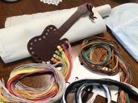 刺しゅう糸を準備しました / ギター型のオーガナイザー - y-hygge