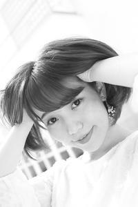 花崎那奈ちゃん6 - モノクロポートレート写真館