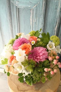 ダリアの好きな奥様へ結婚記念日に - 北赤羽花屋ソレイユの日々の花