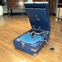 ポータブル蓄音機HMV101が入荷しました - シェルマン アートワークス 蓄音機blog