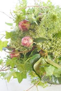 グリーンの工夫 - お花に囲まれて