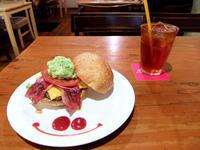Zooton's(那覇市久茂地)#4 - avo-burgers ー アボバーガーズ ー