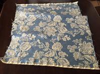 花の刺繍の青い布75Hold(Makin4.17) - スペイン・バルセロナ・アンティーク gyu's shop