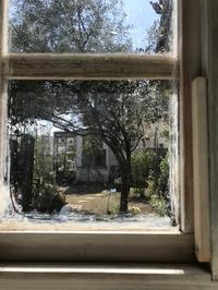 手づくりリノベーション「小屋1の窓から・・・」編 - 納屋Cafe 岡山