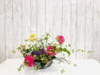 かごを使ったアレンジメント☆ - Flower Days ~yucco*のフラワーレッスン&プリザーブドフラワー~