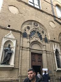 フィレンツェで『3つ以上!』オイシイ教会は無料と幸せの味 - フィレンツェのガイド なぎさの便り
