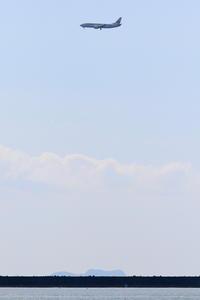 2019年4月18日 今日のJTA B737-400 RWY18へのアプローチ - 南の島の飛行機日記