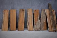 チーク耳付の小さな棚板製材色の変化 - SOLiD「無垢材セレクトカタログ」/ 材木店・製材所 新発田屋(シバタヤ)