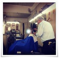 老舗の散髪屋さんにて - ハチドリのブラジル・サンパウロ(時々日本)日記