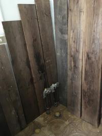 洗面所その3。壁を塗ったっきりでしたが、やっと! - 風のいろ