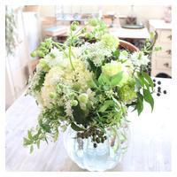 爽やかな色合いのブーケ - あなたらしい花あるくらしを共に描く 花色空間Vertu
