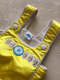 ベビー水着こちらと同じブランド、形状、五輪スイマーの長崎宏子さんのスクールのもので、ロゴが若干違います。カラーはイエロー。 - シンガポールフリーマーケット