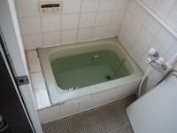 タイル張り浴室の浴槽入れ替え~古くなってきたので。 - 市原市リフォーム店の社長日記・・・日日是好日