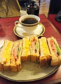 喫茶店で、ふわとろたまごサンド・レンガ@築地 - カステラさん