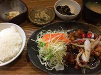 25日 鶏甘酢炒め@わたしの食卓 - 香港と黒猫とイズタマアル2