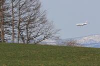 望遠で狙う~旭川空港~ - 自由な空と雲と気まぐれと ~from 旭川空港~
