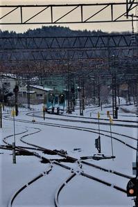 藤田八束の鉄道写真@下北半島の春、一度は見たい下北の桜・・・大湊線にのって青森から下北へ、六ケ所村の原子力発電所 - 藤田八束の日記