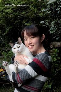 久々の猫たちと娘 - 今が一番