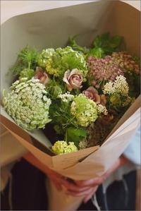 月草sousow「四月の花屋」 - なづな雑記