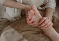 足の施術、足からのメッセージ - 鶴岡市【ビワキュー・足つぼ・ボディケア・よもぎ蒸し】自然療法セイノ