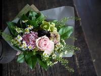 バレエの発表会に出演される女の子に花束。「可愛らしく」。2019/05/05。 - 札幌 花屋 meLL flowers