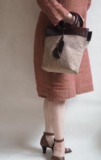 《ペンジュラム》トートバッグを新発売いたします! - Via~オリジナル革バッグ&雑貨~   目に飛び込んだ瞬間【輝き出す瞳】    手にした瞬間【伝わる心地良さ∴思わずみんなに自慢したくなるトキメキの Via のBagたち。