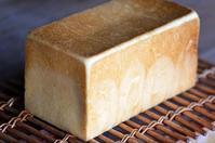 角食 - 森の中でパンを楽しむ